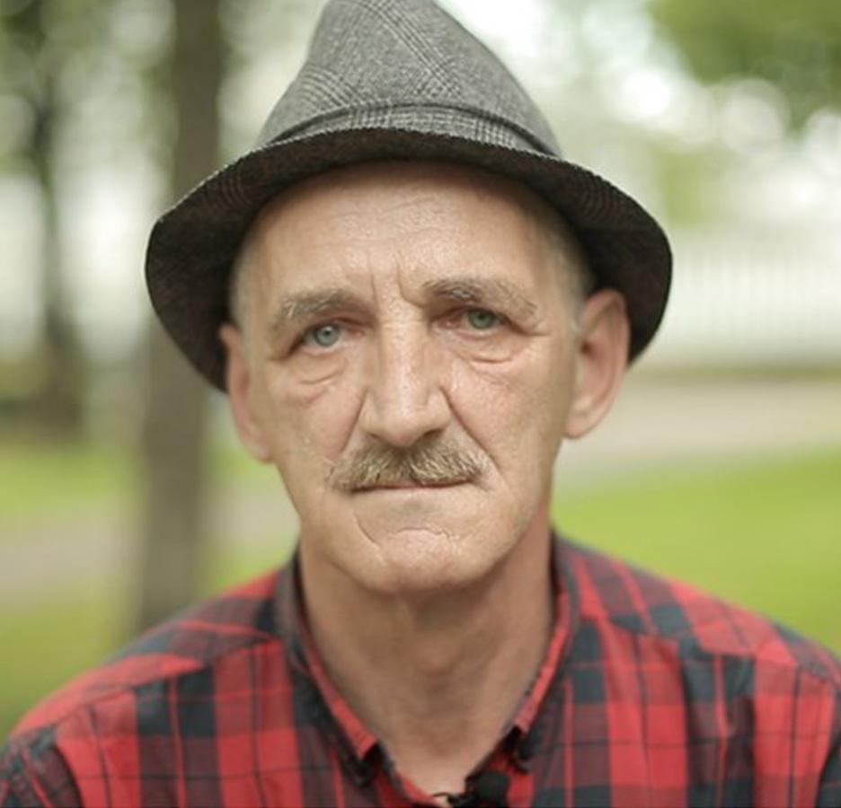 Ex-dakloze Leszek (63) helpt dakloze arbeidsmigranten in Rotterdam al jaren weer op het juiste pad: 'Ik had nog geen zin om dood te gaan'